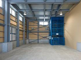 製紙会社の溶解処理工場 荷下ろし室